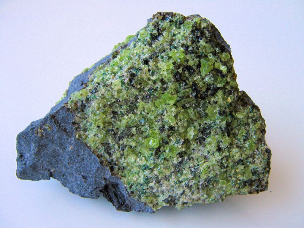 A journey to the center of the Earth | Peridotite ...